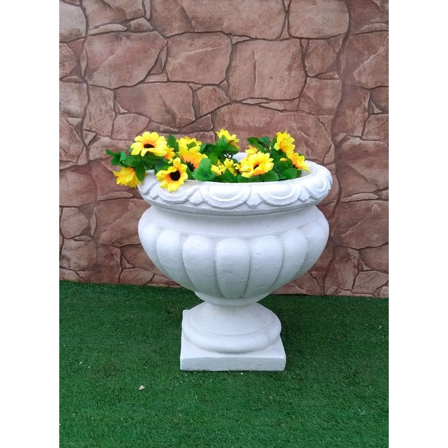 Vasi cazzola paolo produzione statue ed arredo giardino for Produzione arredo giardino